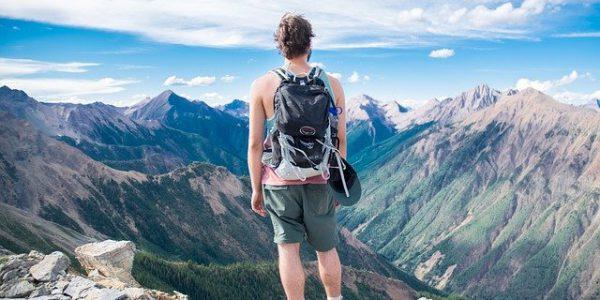 Jaki plecak w góry wybrać? Poradnik